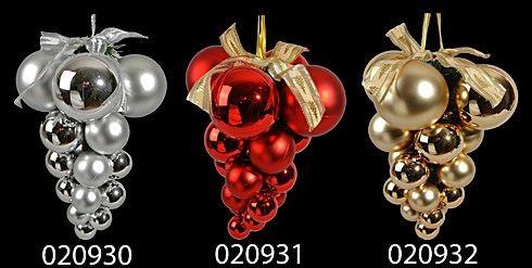 Как сделать гроздь из новогодних шаров своими
